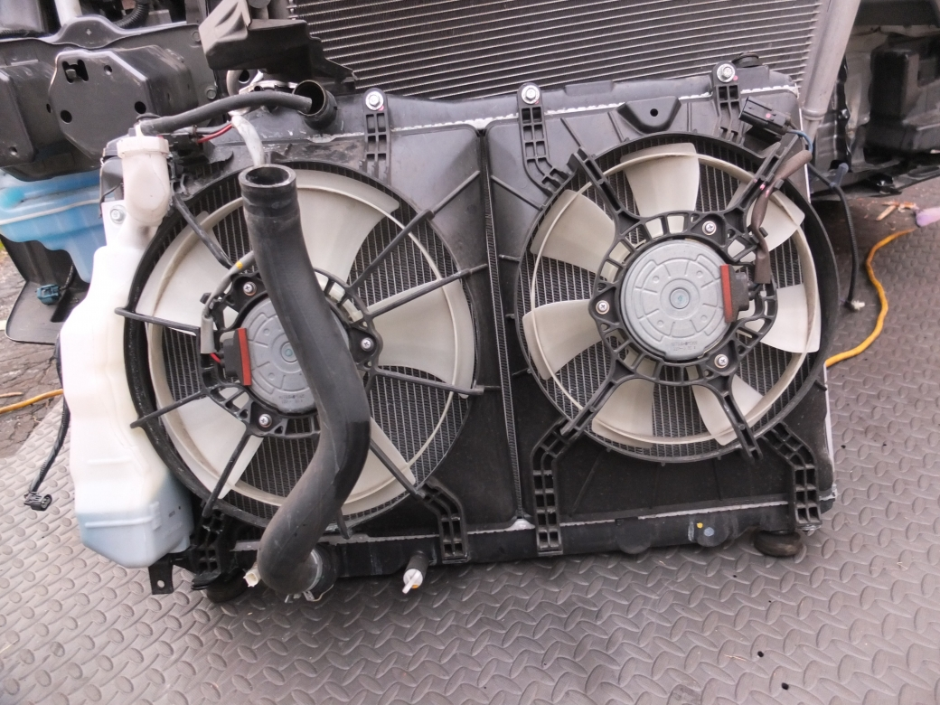 8373300090a49 Cooling fan running when engine is turned off