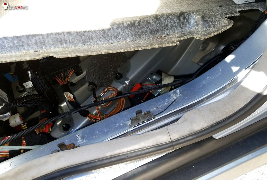 Mercedes Ml R Gl Auxiliary Battery Replacement Diy