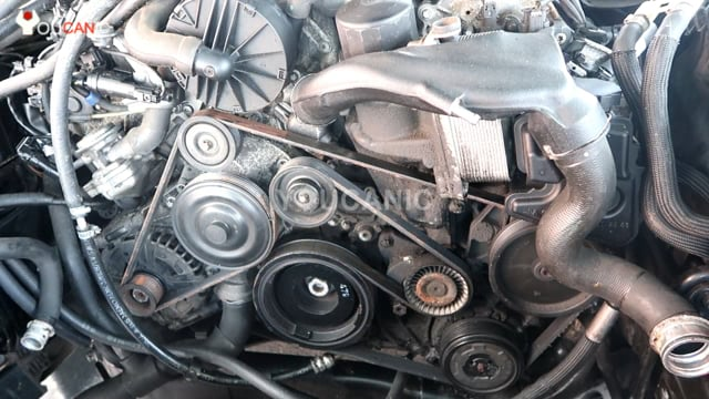 How to manually crank Mercedes-Benz engine